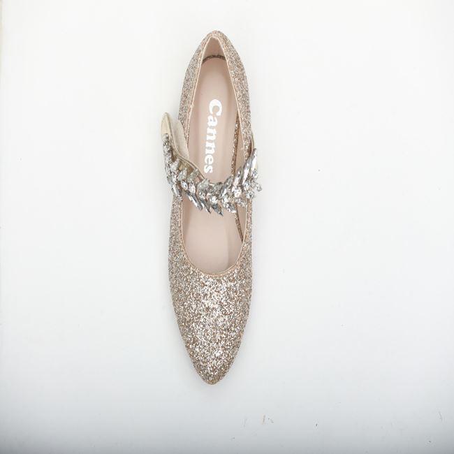صورة حذاء بناتي
